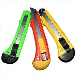 Инструменты для скарпбукинга. Список самых необходимых. Описание всех наиболее известных инструментов.